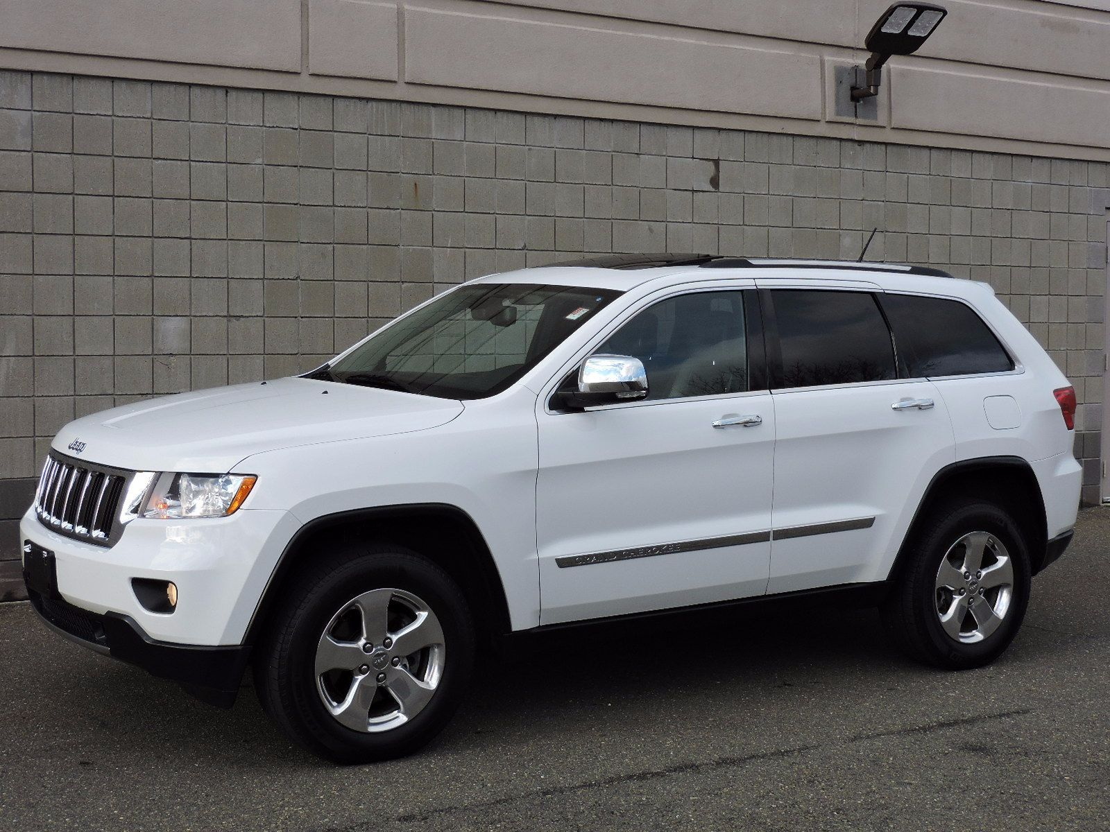 used 2013 jeep grand cherokee limited at saugus auto mall