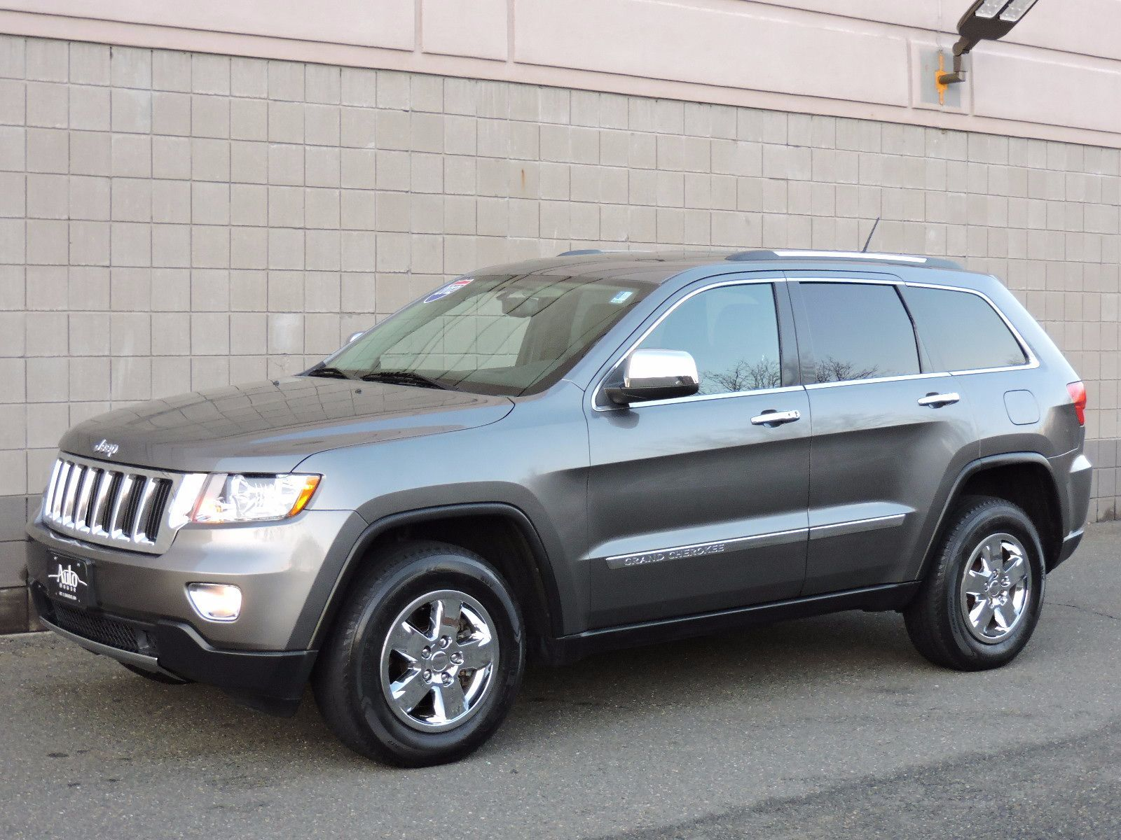 used 2012 jeep grand cherokee laredo at saugus auto mall. Black Bedroom Furniture Sets. Home Design Ideas
