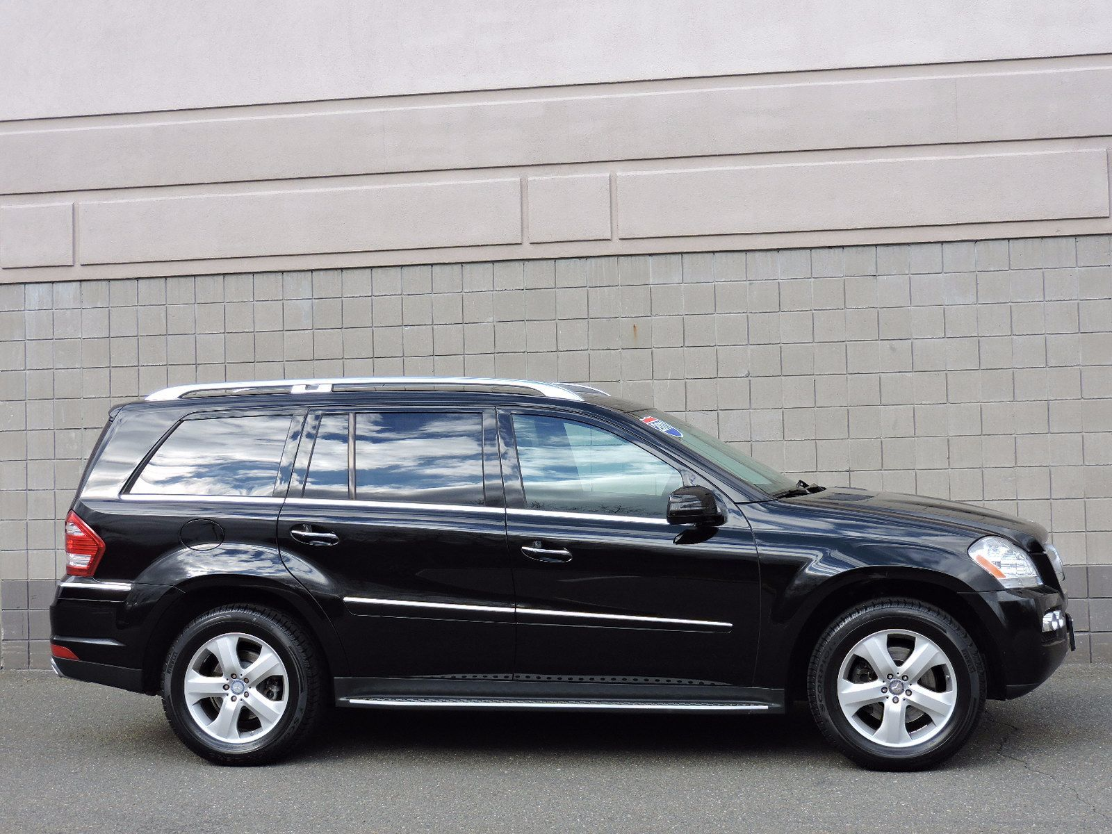 Used 2011 mercedes benz gl450 at saugus auto mall for Gl450 mercedes benz