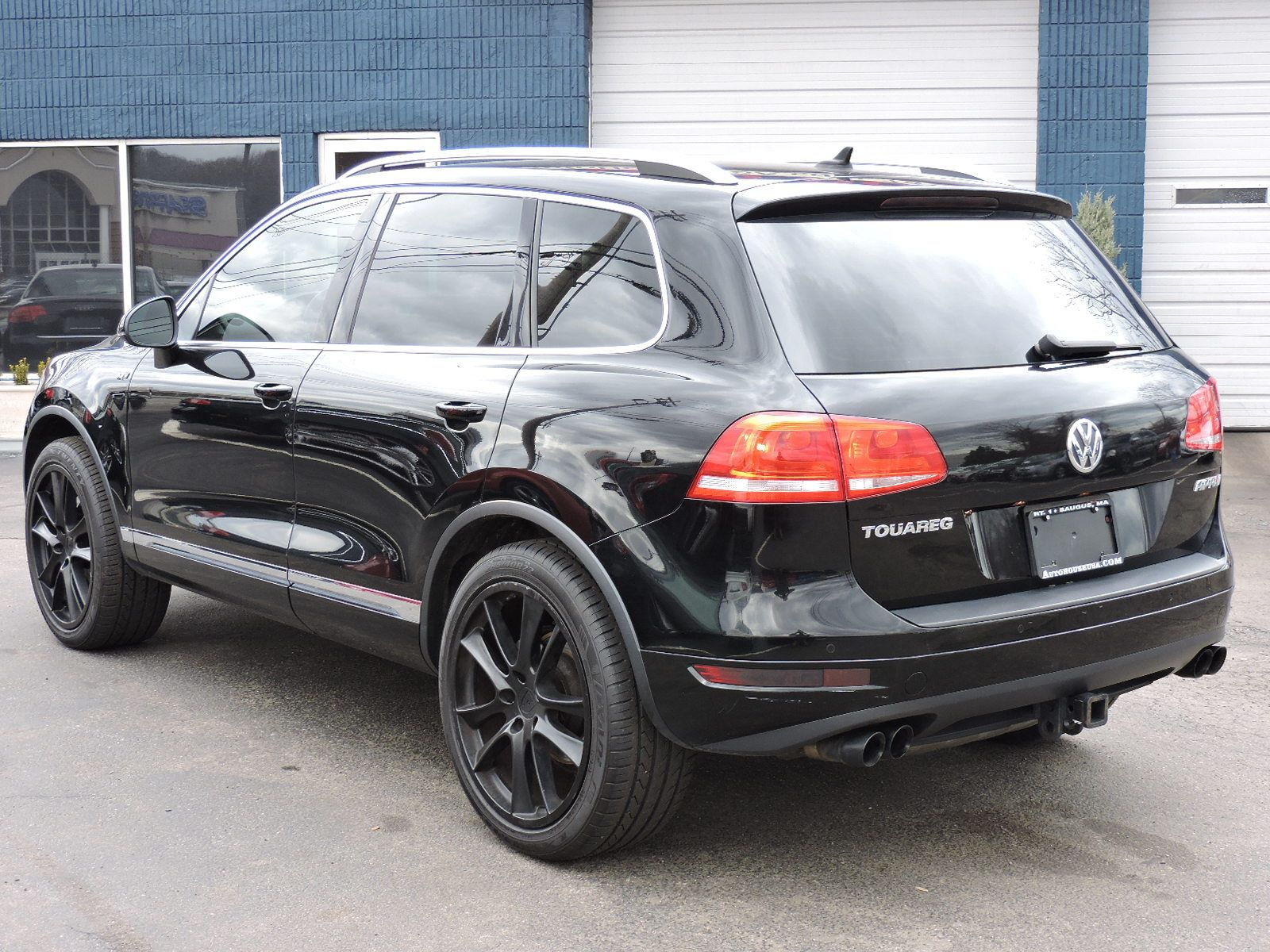 used 2011 volkswagen touareg sport at saugus auto mall. Black Bedroom Furniture Sets. Home Design Ideas