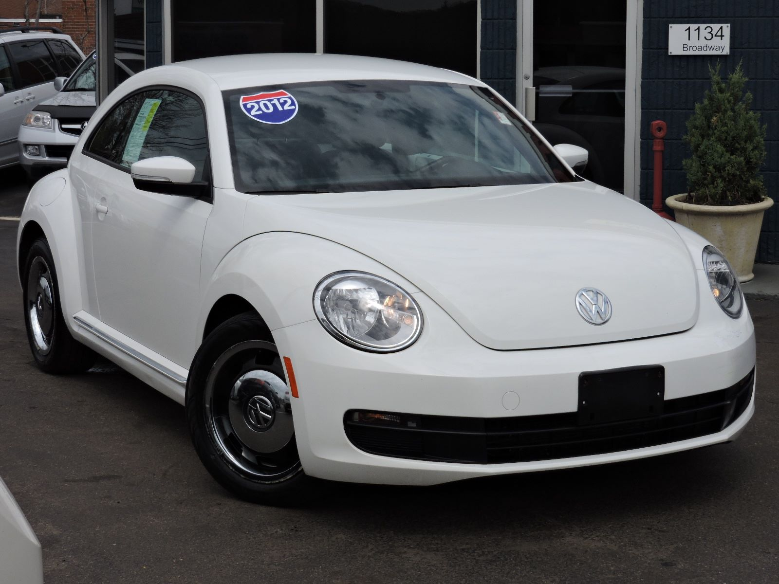 used 2012 volkswagen beetle 2 5l pzev at saugus auto mall. Black Bedroom Furniture Sets. Home Design Ideas