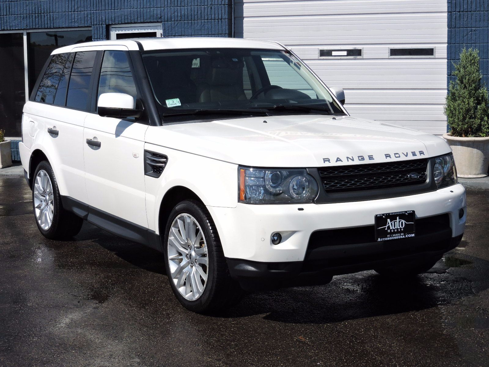 used 2010 land rover range rover sport hse lux at saugus auto mall. Black Bedroom Furniture Sets. Home Design Ideas