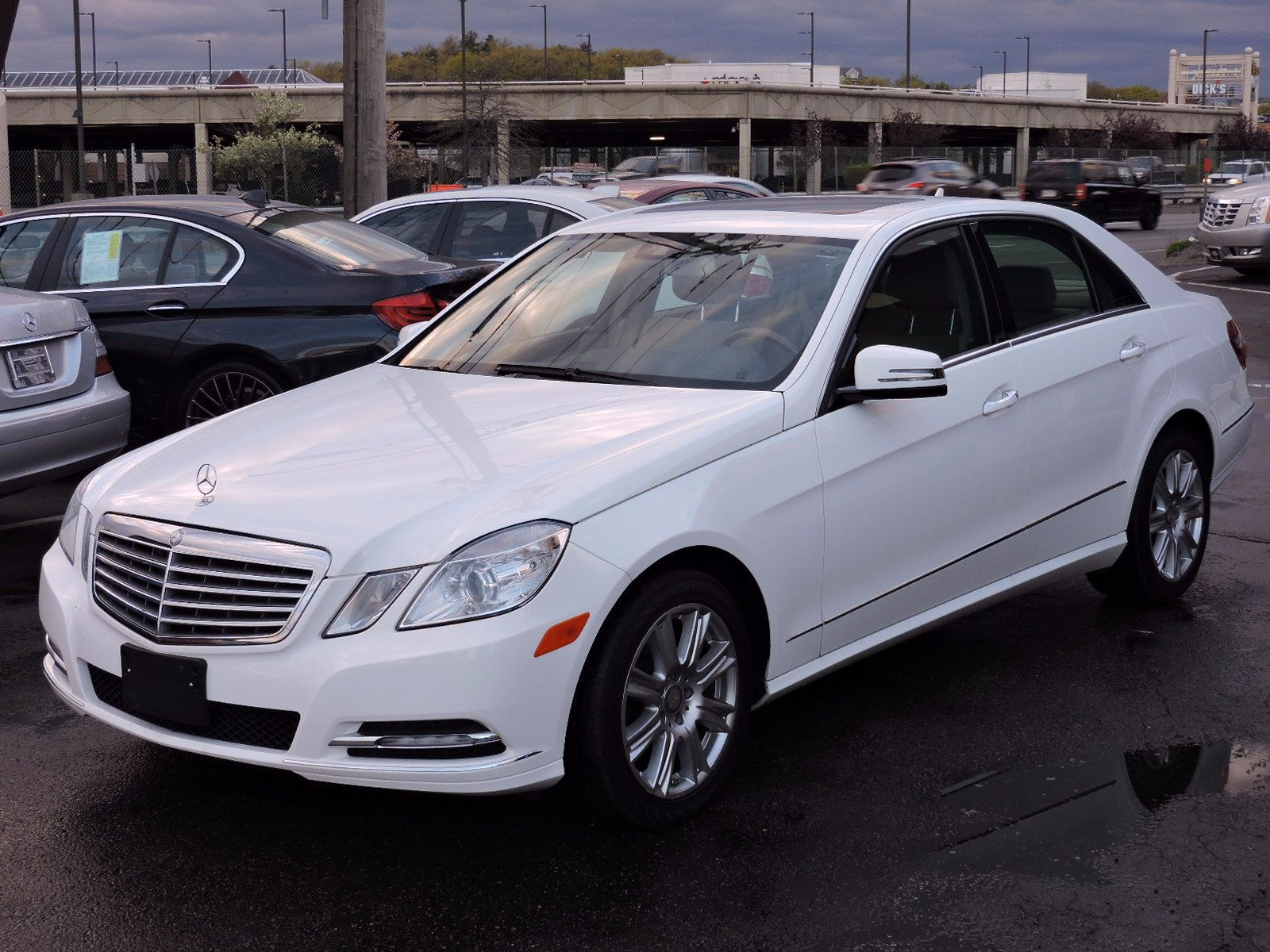 used 2013 mercedes benz e 350 luxury e 350 luxury at saugus auto mall. Black Bedroom Furniture Sets. Home Design Ideas