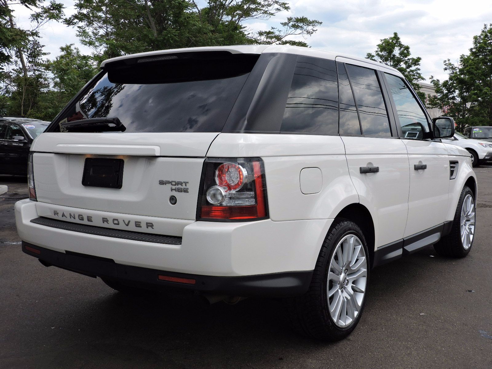 https://saugusautomall.com/uimages/vehicle/2978509/full/2010-Land-Rover-Range-Rover-Sport-HSE-LUX-SALSK2D49AA250532-2309.jpeg