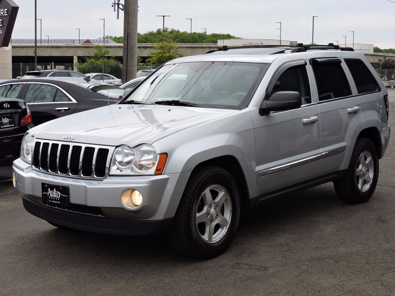 used 2005 jeep grand cherokee limited at saugus auto mall. Black Bedroom Furniture Sets. Home Design Ideas