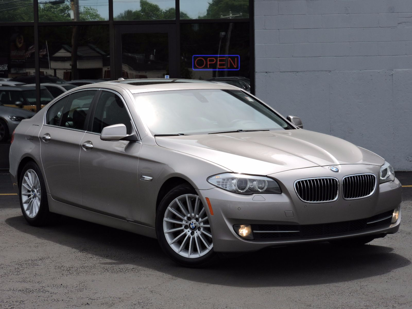 used 2011 bmw 535i xdrive hybrid at saugus auto mall. Black Bedroom Furniture Sets. Home Design Ideas