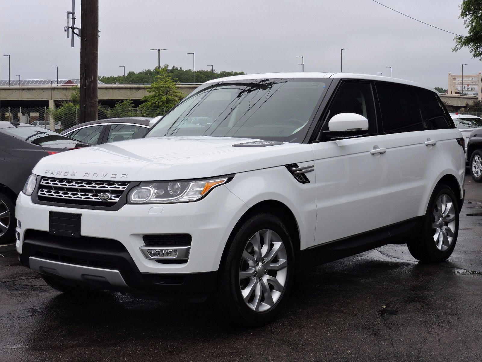 used 2014 land rover range rover sport hse at saugus auto mall. Black Bedroom Furniture Sets. Home Design Ideas
