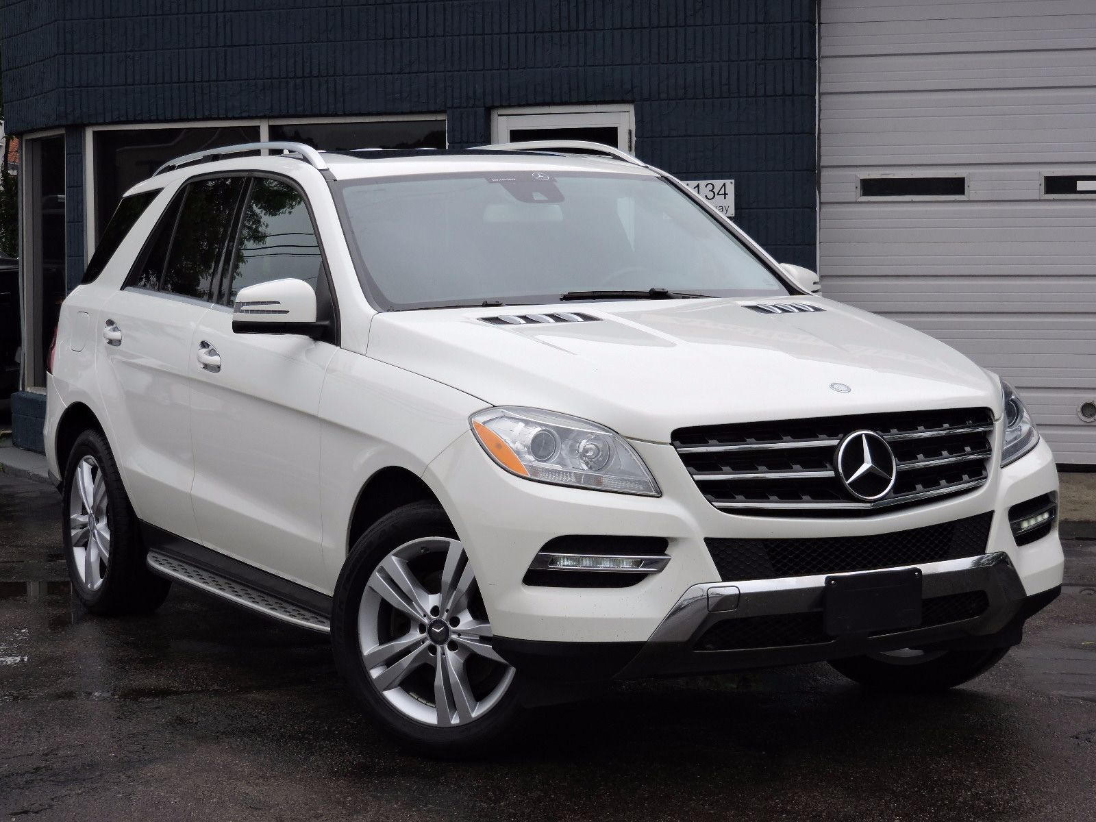 used 2013 mercedes benz ml 350 sl at saugus auto mall. Black Bedroom Furniture Sets. Home Design Ideas