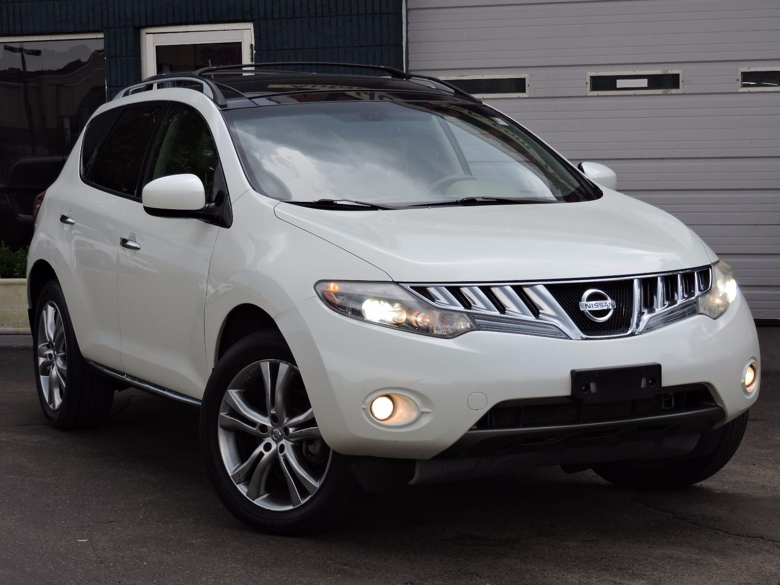 used 2010 nissan murano le at saugus auto mall. Black Bedroom Furniture Sets. Home Design Ideas