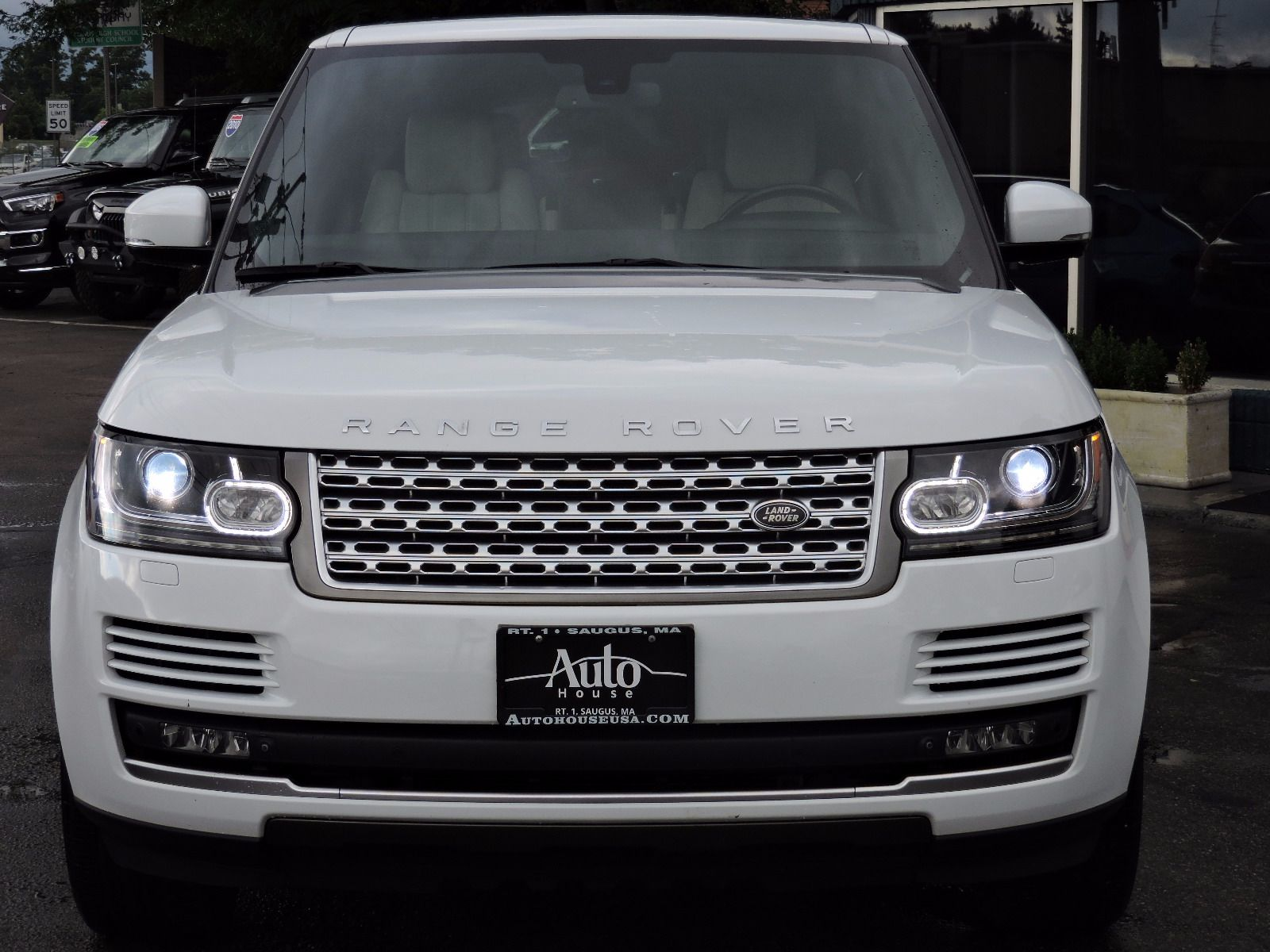 used 2014 land rover range rover hse at saugus auto mall. Black Bedroom Furniture Sets. Home Design Ideas