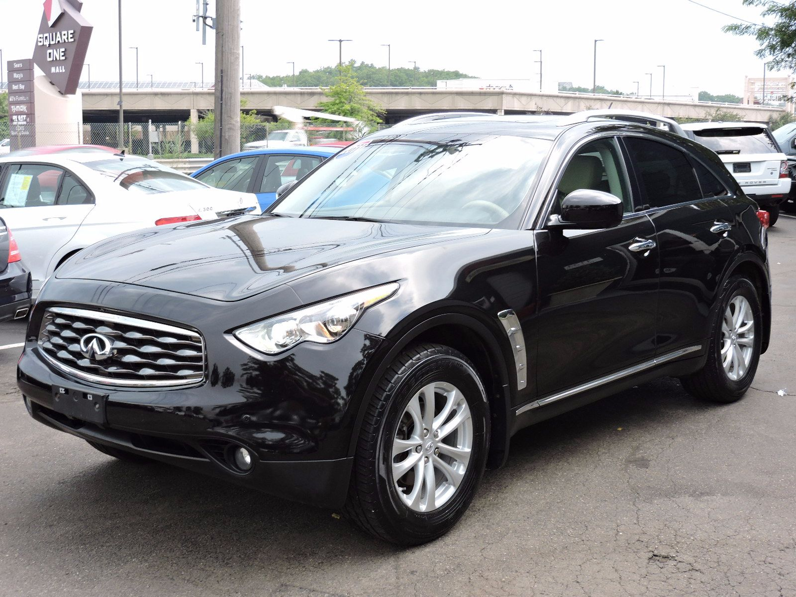 2011 Infiniti FX35 - All Wheel Drive - Navigation