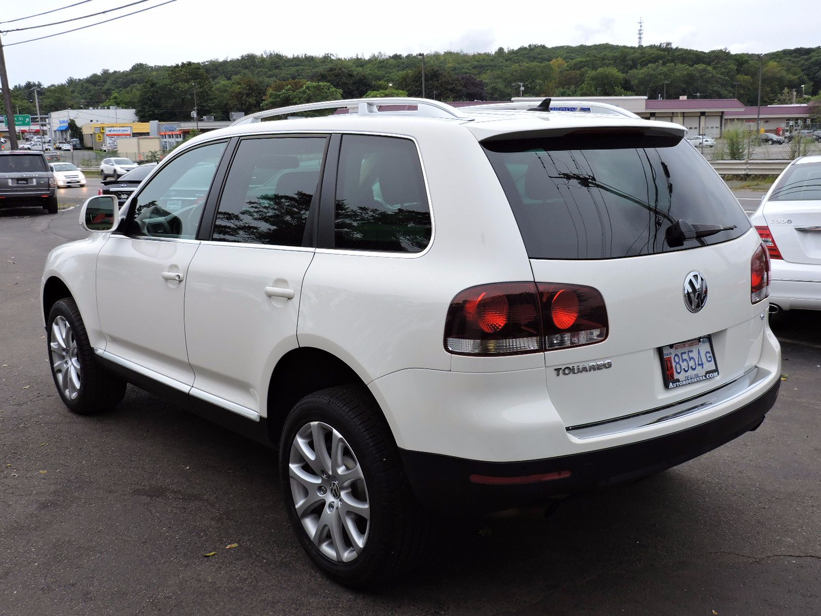 used 2010 volkswagen touareg vr6 vr6 at saugus auto mall. Black Bedroom Furniture Sets. Home Design Ideas
