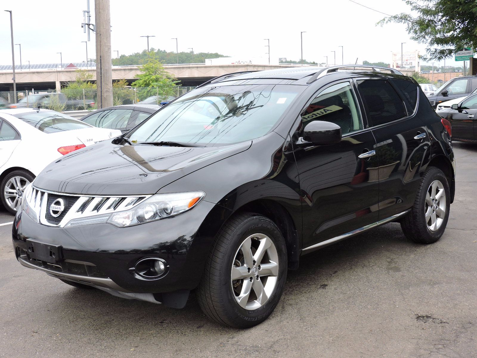 used 2009 nissan murano sl at saugus auto mall. Black Bedroom Furniture Sets. Home Design Ideas