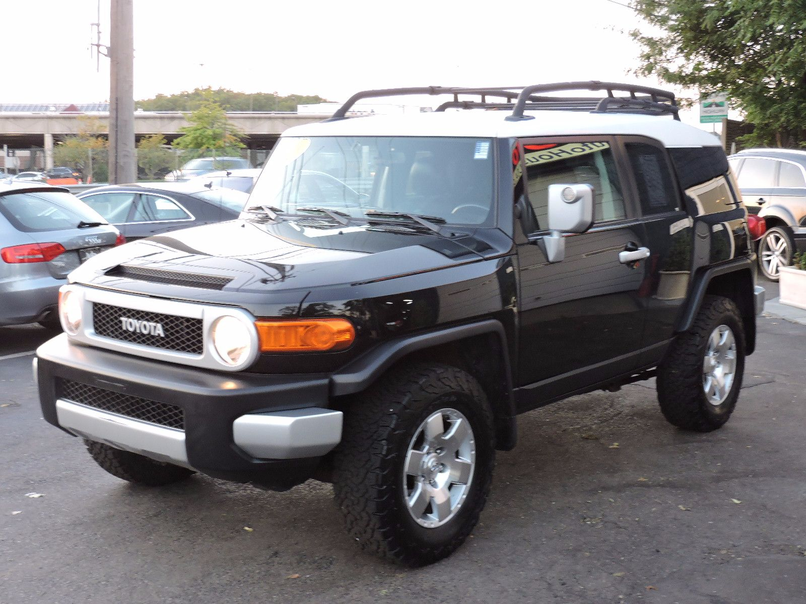used 2010 toyota fj cruiser at saugus auto mall. Black Bedroom Furniture Sets. Home Design Ideas