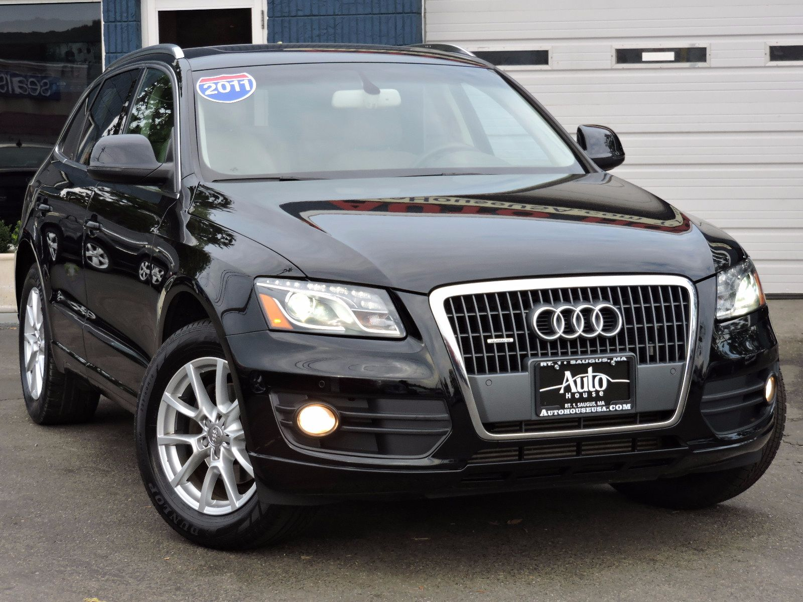 2011 Audi Q5 Premium Plus - 2.0T - Quattro - All Wheel Drive - Navigation