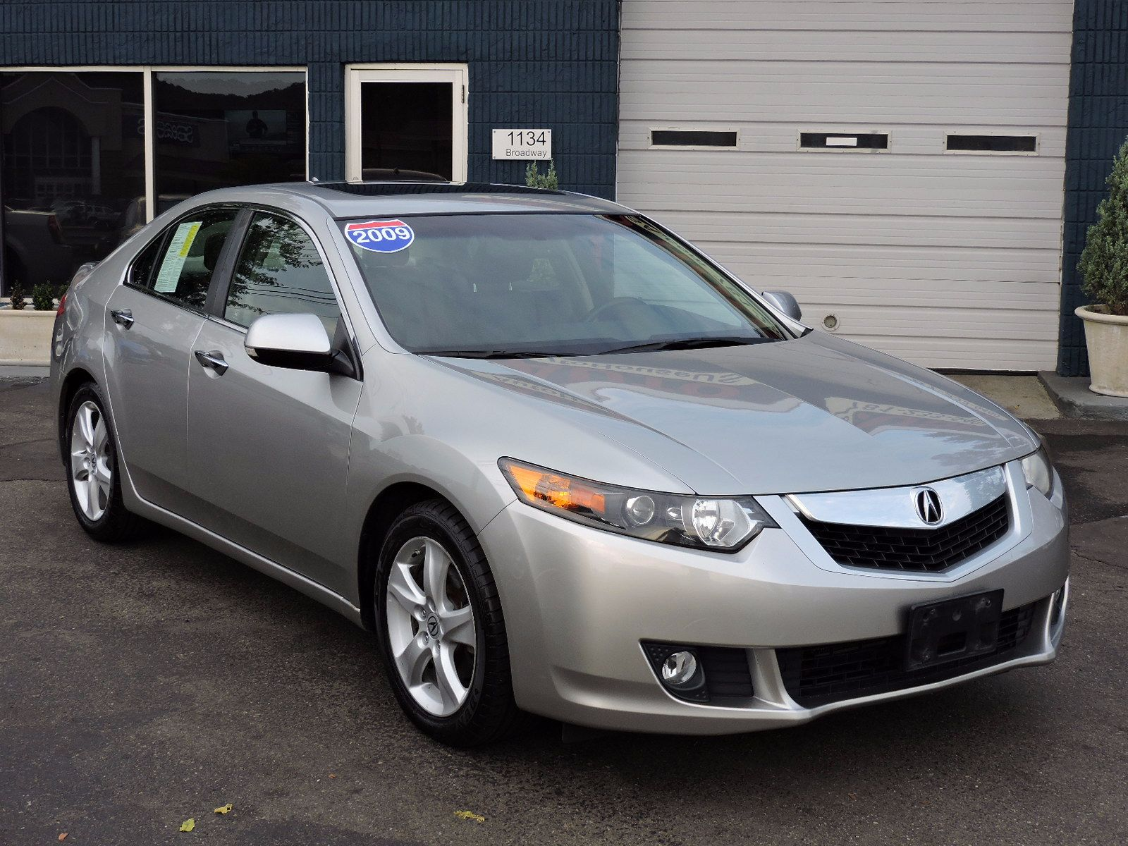 used 2009 acura tsx tech pkg at saugus auto mall. Black Bedroom Furniture Sets. Home Design Ideas