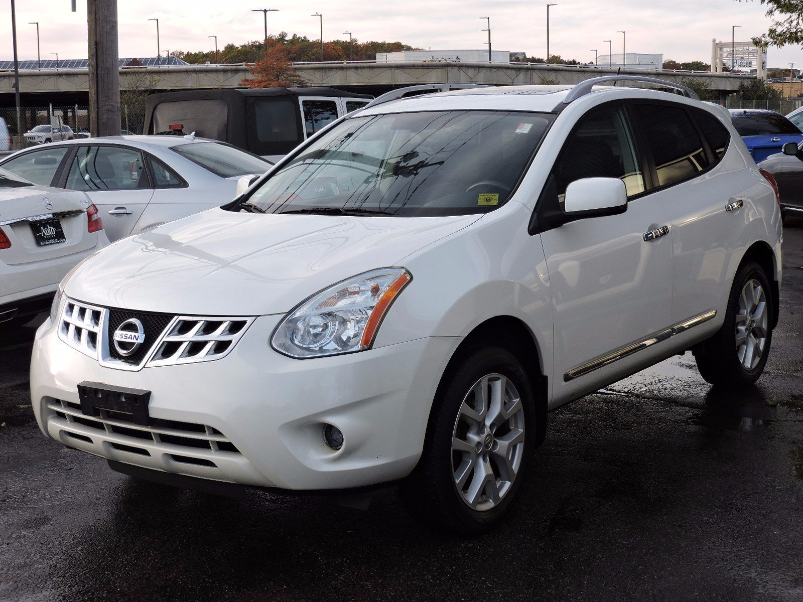 2011 Nissan Rogue SL - All Wheel Drive - Navigation