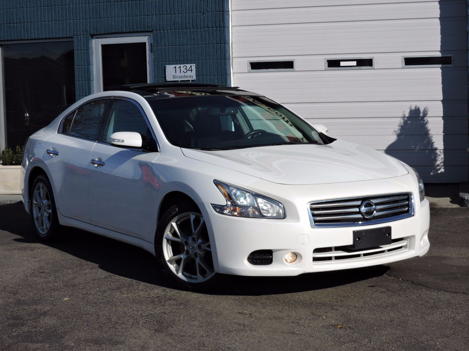 used 2012 nissan maxima 3 5 sv wpremium pkg at saugus auto mall. Black Bedroom Furniture Sets. Home Design Ideas