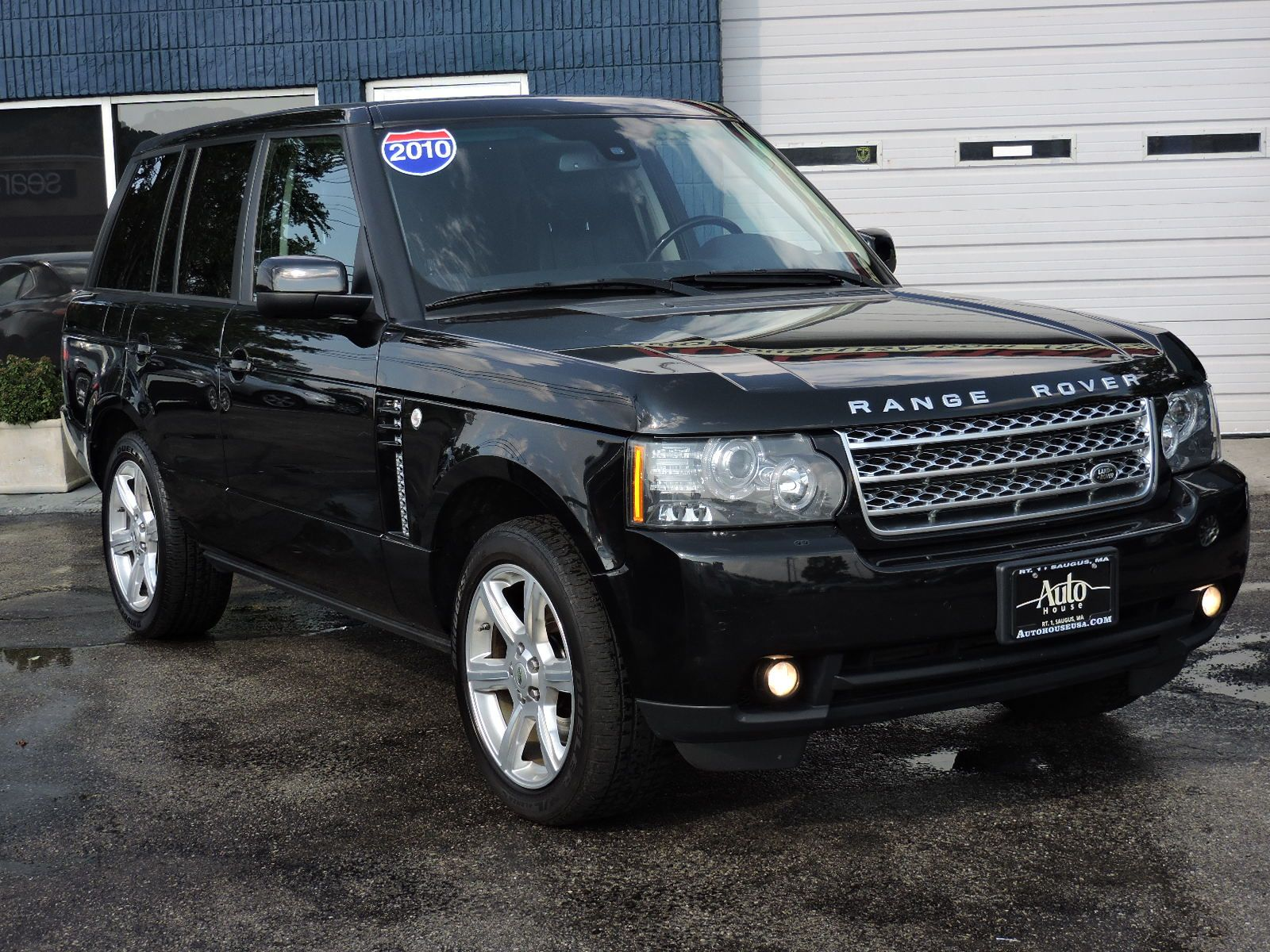 https://saugusautomall.com/uimages/vehicle/4668468/full/2010-Land-Rover-Range-Rover-HSE-LUX-SALMF1D40AA309894-5144.jpeg