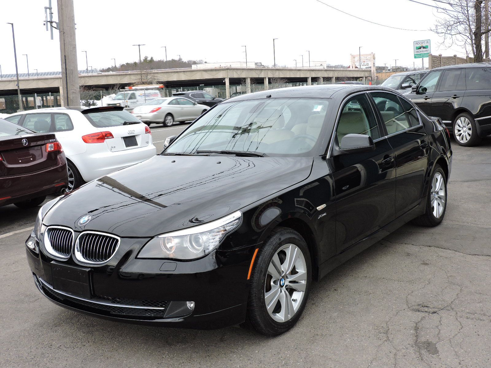 2010 BMW 5 Series 528i xDrive AWD