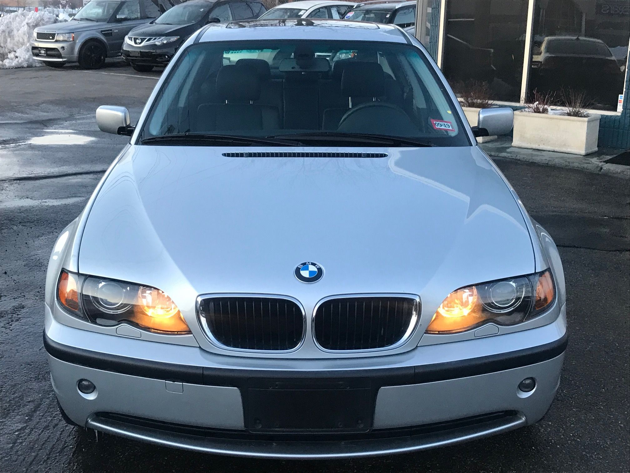 2005 BMW 3 Series 325xi Sport Package 5 Speed AWD