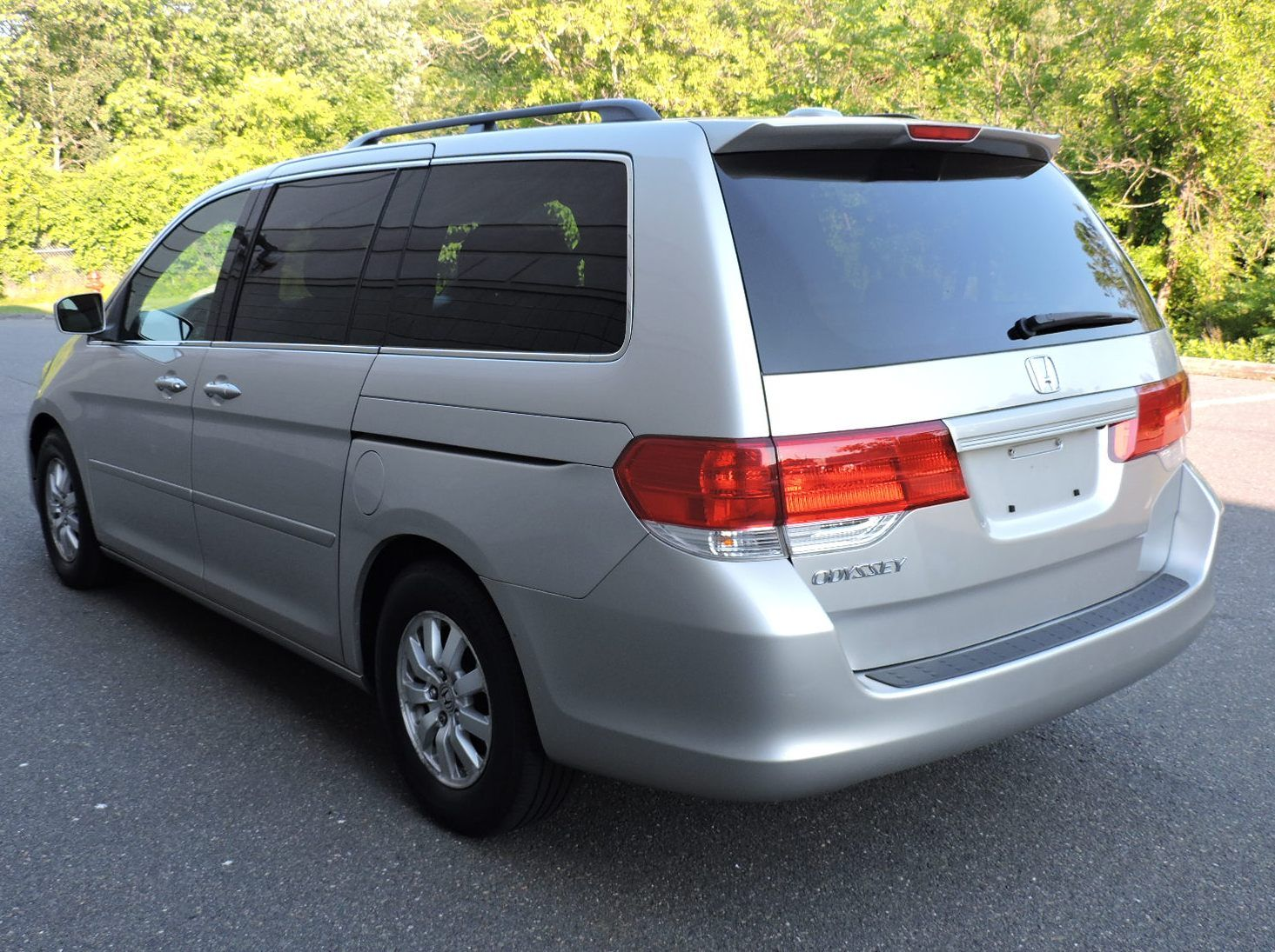 2008 Honda Odyssey EX-L with DVD Rear Entertainment System