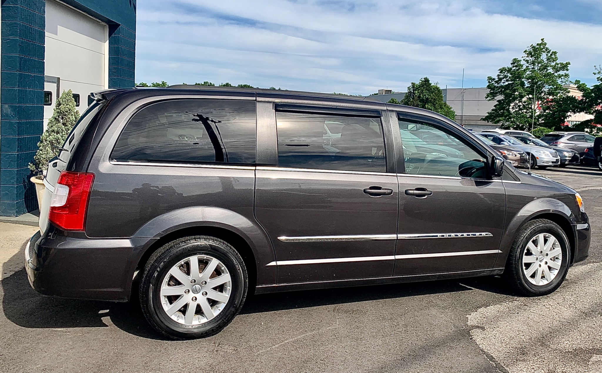 2015 Chrysler Town & Country S FWD