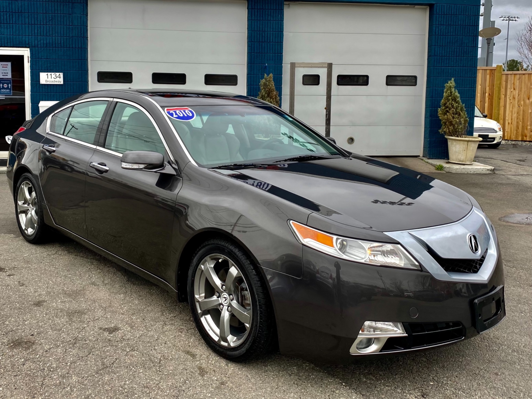 2010 Acura TL SH-AWD w/Technology Package